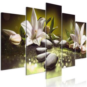 Tableau - Lilies and Stones (5 Parts) Wide Green fait partie des tableaux murales de la collection de worldofwomen découvrez ce magnifique tableau exclusif chez nous